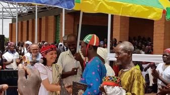 delegació de Basneere, a Burkina Faso, visitarà Algemesí durant una setmana coincidint amb les festes de la Mare de Déu de la Salut,  Patrimoni de la Humanitat la veu d'algemesí