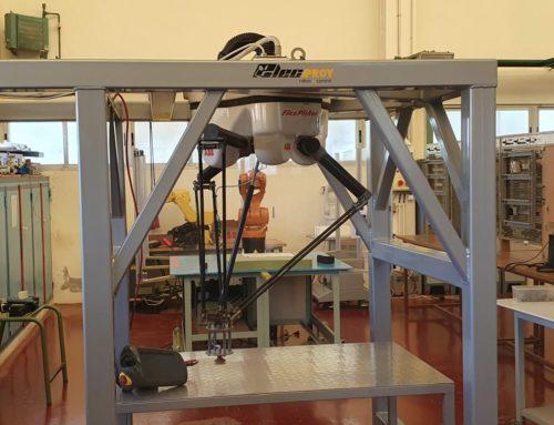 L'IES Bernat Guinovart rep un robot «aranya» cedit per a formar als alumnes