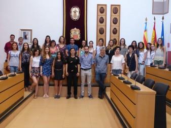 """Un total de 22 estudiants faran pràctiques durant l'estiu a l'Ajuntament d'Algemesí dins el programa """"La Dipu et Beca""""la veu d'algemesí"""