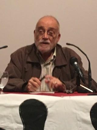 Arcadi Oliveres en la conferència organitzada dins dels actes de Pobresa Zero. LVA