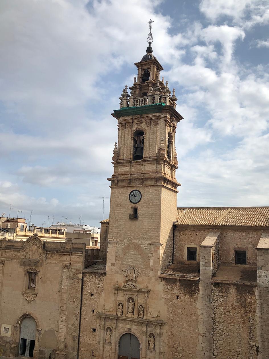 Els festers del Barri Capella organitzen una ruta guiada pel centre de la ciutat per a explicar la història d'Algemesí i de la Festa de la Mare de Déu de la Salut