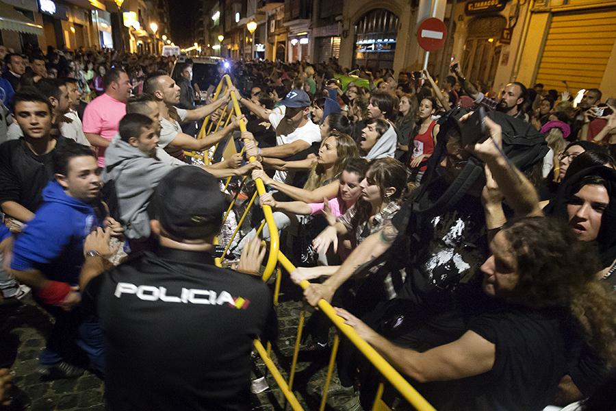Antitaurins en la plaça de bous. Nº32 - octubre 2014. MOISÉS CASTELL/Prensa2