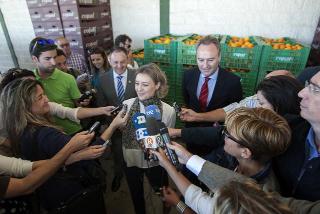 Isabel García Tejerina (PP). Visita a COPAL de la Ministra d'Agricultura. Nº29 - juny 2014. MOISÉS CASTELL/Prensa2
