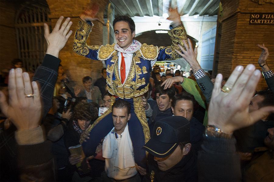 Jorge Expósito. Porta gran plaça de bous de València. Nº26 - març 2014. MOISÉS CASTELL/Prensa2