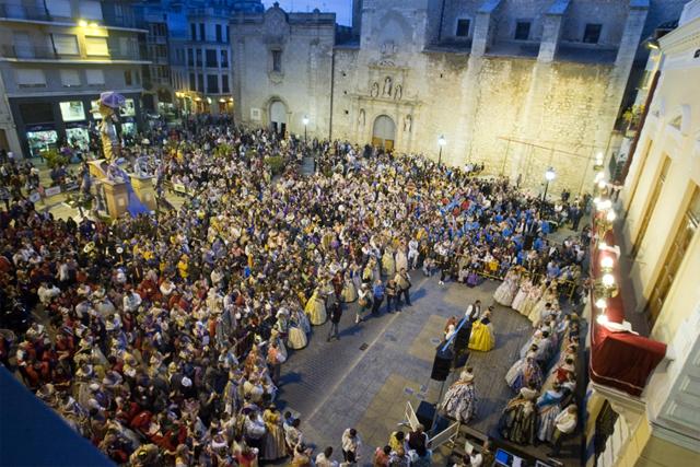 Entrega de premis fallers. La falla del Mercat muntada a la plaça Major per les obres del Mercat. Nº6 - abril 2012. MOISÉS CASTELL/Prensa2